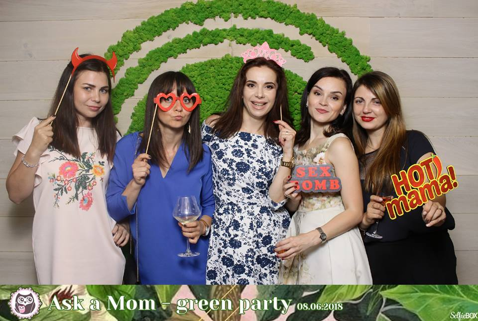 Cum s-au distrat mămicile la Ask a Mom Green Party