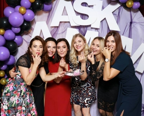 Mămicile din capitală s-au distrat pe cinste la Ask a Mom Mystery Party