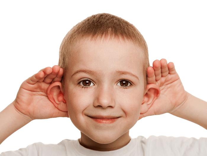 Cum poate fi soluţionată problema urechilor clăpăuge şi la ce vârstă