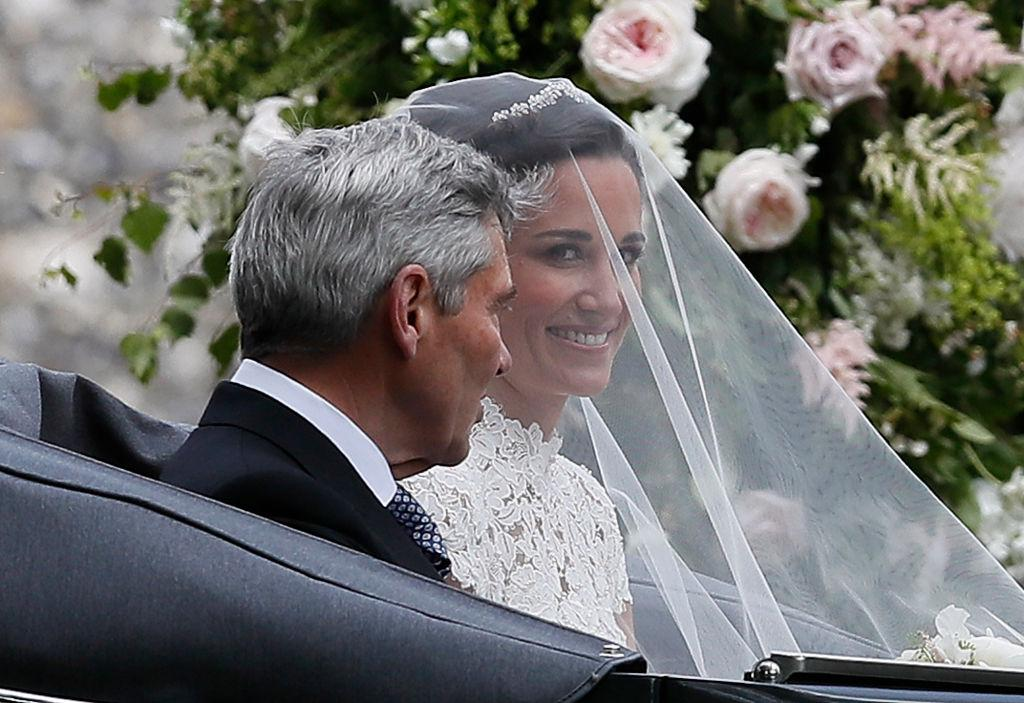 подбирать аксессуары пиппа миддлтон выходит замуж фото правильно
