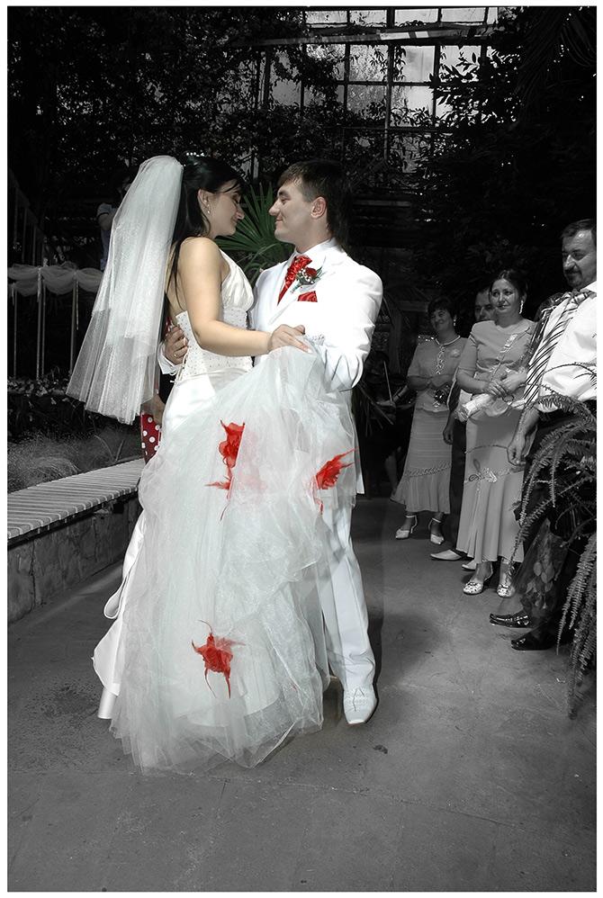 Corina Ţepeş: Dragostea nu se strigă, nu se bârfeşte şi nu se face PR cu ajutorul ei