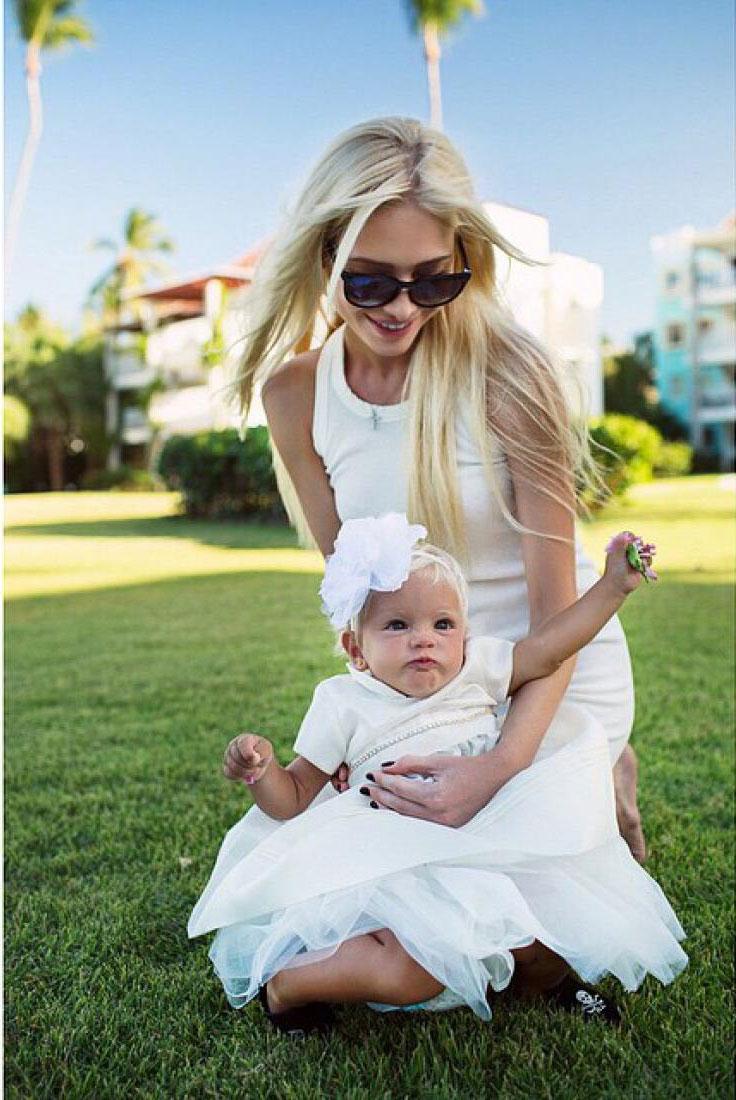 Картинки девушки блондинки с ребенком