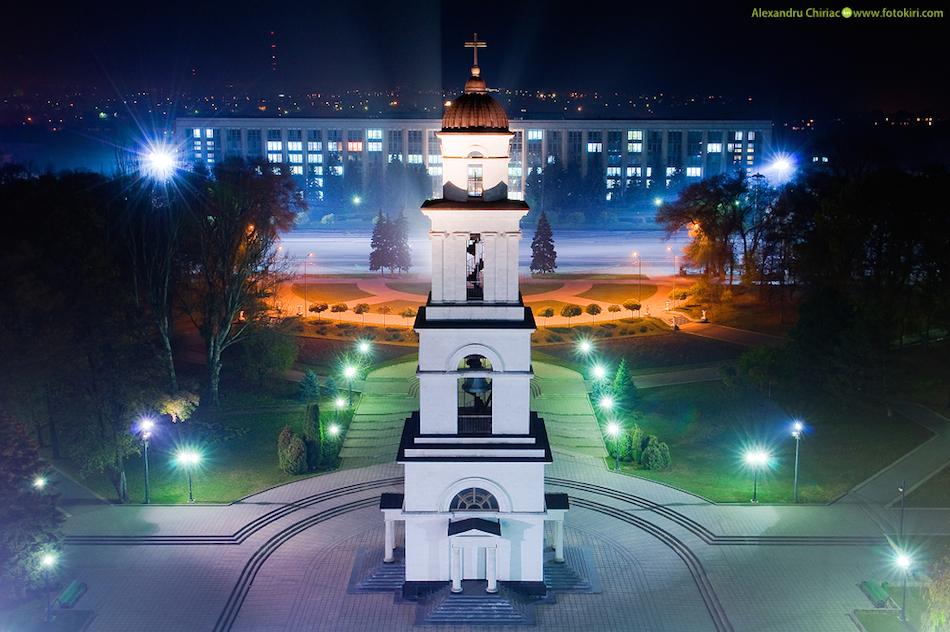 Огни ночного города: 33 удивительно красивые фотографии Кишинёва