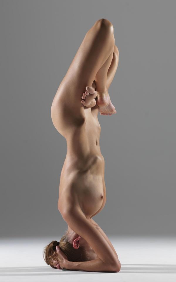бутон фото йога девушки голые мужем