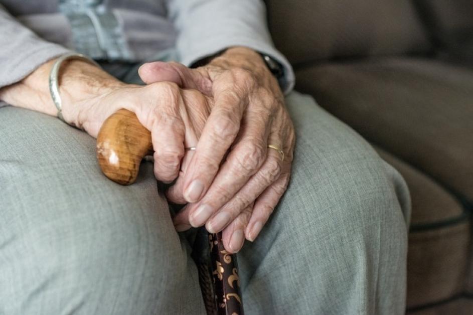 Coronavirus: 6 sfaturi importante pentru vârstnici | Mamaplus