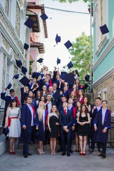 Prometeu-Prim, Liceul Experimental de Creativitate și Inventică | Mamaplus