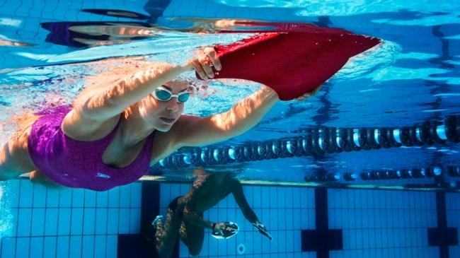 inot in piscina cu artroza genunchiului osteochondroza unguente și geluri ieftine