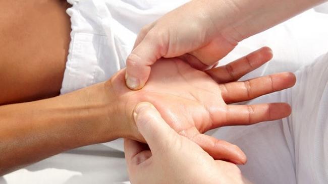 masaj pentru durere în articulațiile degetelor)