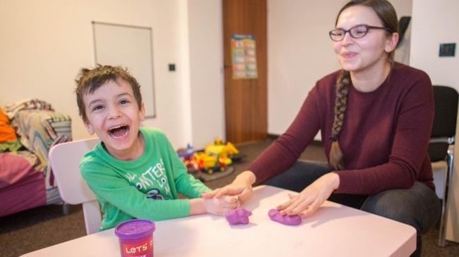 ajutând copilul cu autism să piardă în greutate)