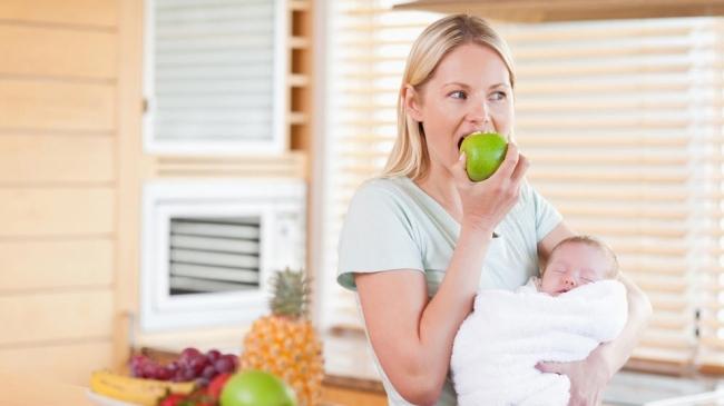 7 alimente care te pot ajuta să slăbești în timp ce alăptezi